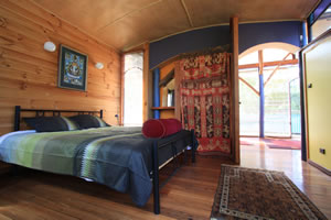 Skyhouse Retreat - Upstairs Bedroom, King sized bed